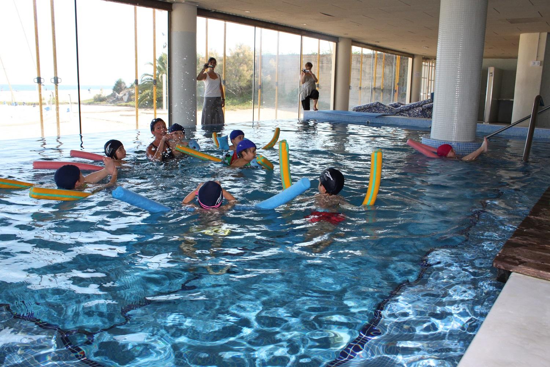 natació, piscina, coberta, instalacions, activitat dirigida, extraescolar, nens, piscina
