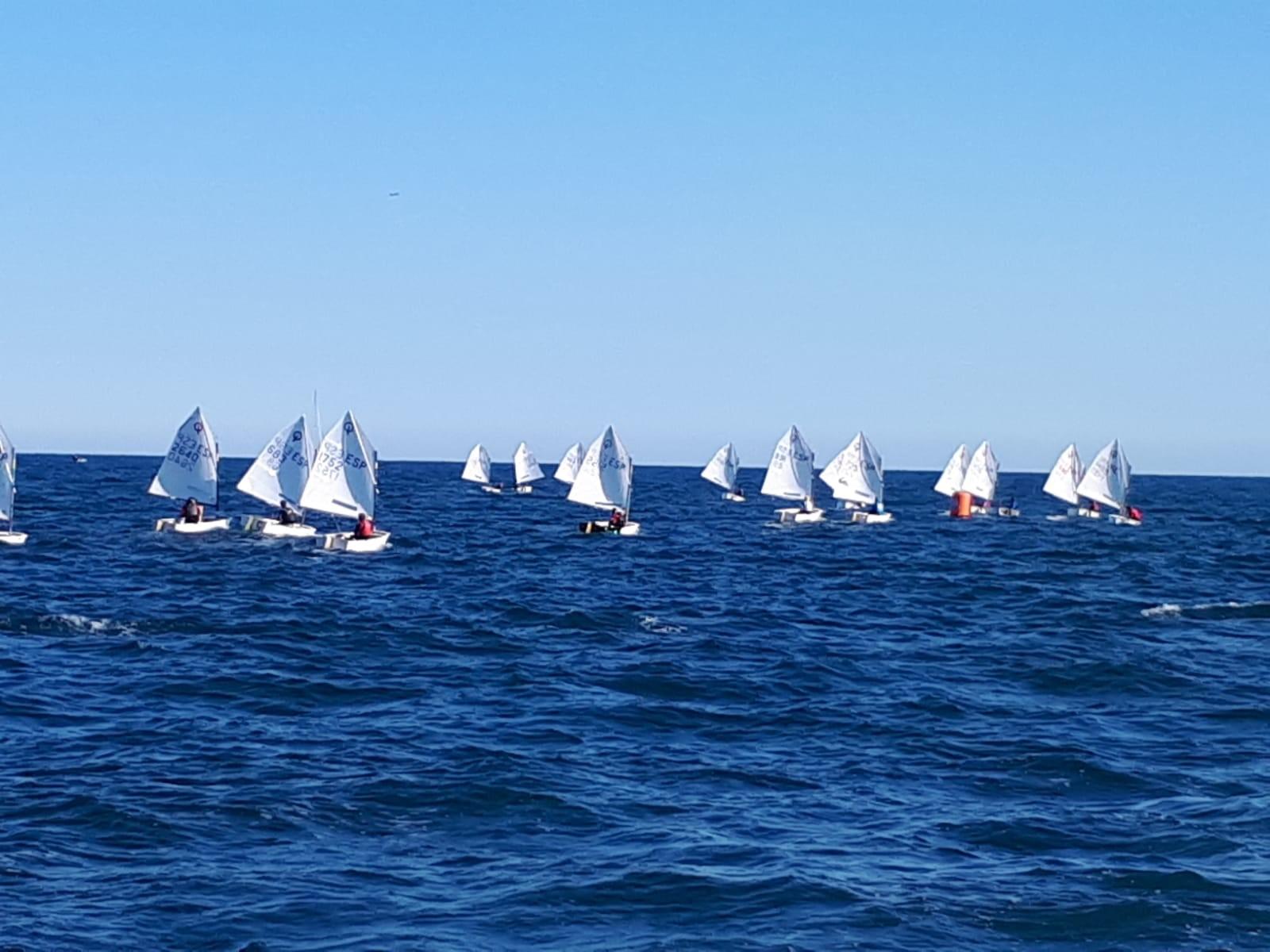 OPTIMIST: V Trofeu President; N2 d'Optimist G1 i G2 al Club Nàutic el Garraf - Vela -