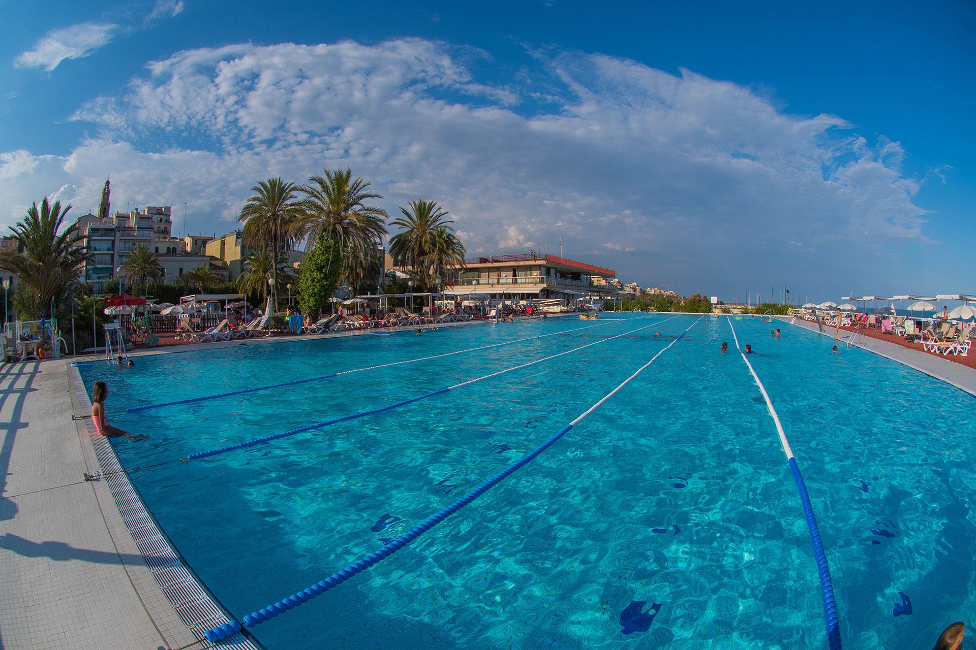 piscina, piscina exterior, club, seu social, estiu, instalacions