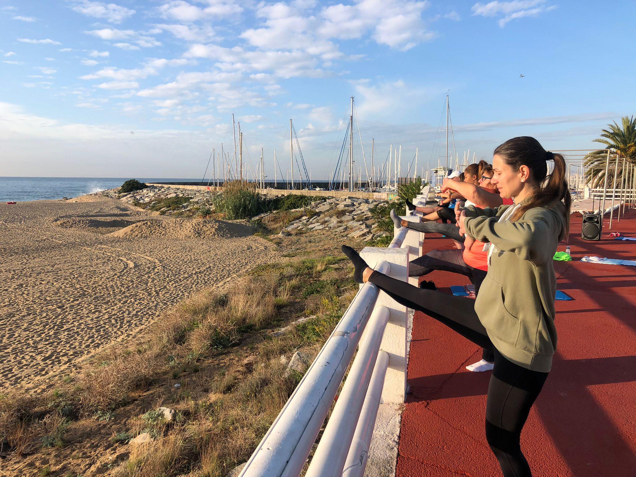 exterior, piscina, activitat dirigida, fitballet, fitness, platja, jove