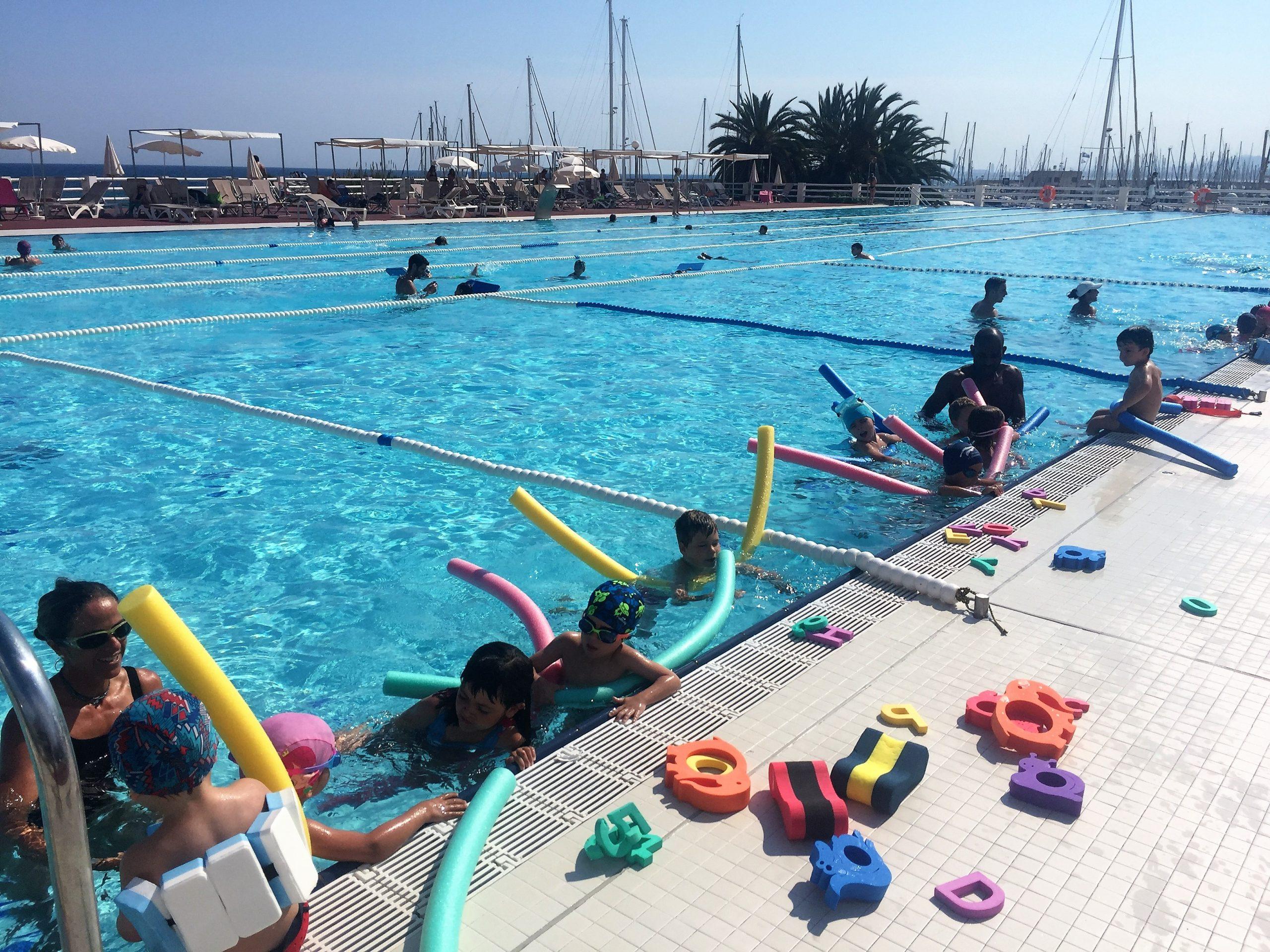 natacio, nens, infantil, piscina, exterior, fitness, extraescolar, olímpica, estiu